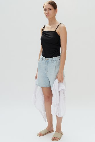 TUCK DENIM SHORTS